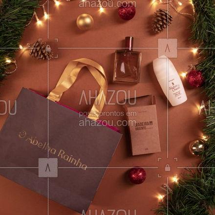 Quer uma dica para presentear alguém especial? Acerte na escolha e deixe ele ainda mais cheiroso para você! Entre em contato com seu/sua revendedor (a) para pedir o presente perfeito. #AbelhaRainha #Perfume #Natal #Presentes #ahazouabelharainha #ahazourevenda
