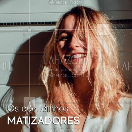"""Os produtos que são matizadores tem a função de neutralizar os tons indesejados que podem surgir. ? Um exemplo é o esverdeado após um dia na piscina ou na praia. ? Então, quando procurar um shampoo, condicionador ou máscara para os cabelos, certifique-se de que o nome """"matizador"""" está no rótulo. ? Apesar de preservar a cor e hidratar os cabelos, esse tipo de produto deve ser usado quinzenal ou mensalmente! #matizador #ahazoubeauty  #hidratacao #hair #cabelo #cabeloperfeito"""