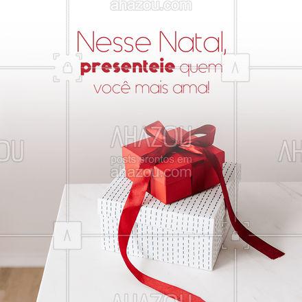 O Natal incentiva que nos aproximemos ou reaproximemos das pessoas que nós amamos ?, então, que tal presenteá-los com peças incríveis ? para que eles se lembrem sempre dos bons momentos que vocês passam juntos toda vez que as vestir? Venha nos visitar e te ajudaremos a escolher peças especiais para fazer o Natal ainda mais incrível ?❤️! #lookdodia #AhazouFashion #ahznoel #moda #estilo #OOTD #Natal #FelizNatal #presente