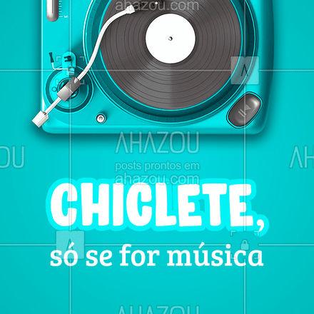 """Já ouviu a expressão """"música-chiclete""""? Ela é usada quando falamos de uma música que fica tocando na sua cabeça sem parar. ? A boa notícia é que existe uma solução!!!! ? É só entrar em uma aula de música, que ela sai da sua cabeça e vai direto para o instrumento que você tocar. ?? #AhazouEdu #música #aulademusica #instrumentomusical #AhazouEdu"""