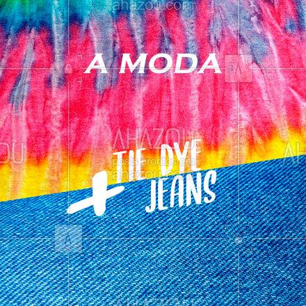 O clássico look Tie Dye é composto por uma camiseta e um jeans, e já é o suficiente para demonstrar muito estilo, mesmo que discreto.  Você pode apostar em camisetas e até moletons da tendência, casando-os com shorts, calças ou saias jeans! ? As peças jeans são essenciais e as Tie Dye estão se tornando, que tal começar a adquirir as suas? ?? Entre em contato ? (inserir telefone) #tiedye #estilo #tendência #ahazoufashion #moda #lookdodia