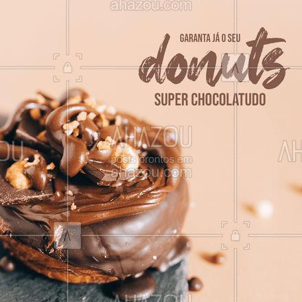 É chocolate que vocês querem? Que tal vir se deliciar com o nosso donuts chocolatudo? É muito chocolate ? #ahazoutaste #confeitaria #doces #chocolate #donuts
