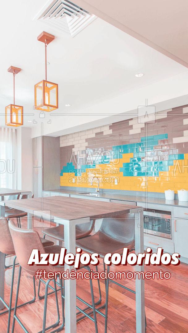 Azulejos coloridos podem deixar o seu ambiente com estilo moderno, sem mudar o estilo do seu cômodo por completo. Pode ser colocado em uma parede, ou uma faixa. #Azulejos #AhazouDecora #AhazouArquitetura #Tendência #AhazouDecora #AhazouArquitetura