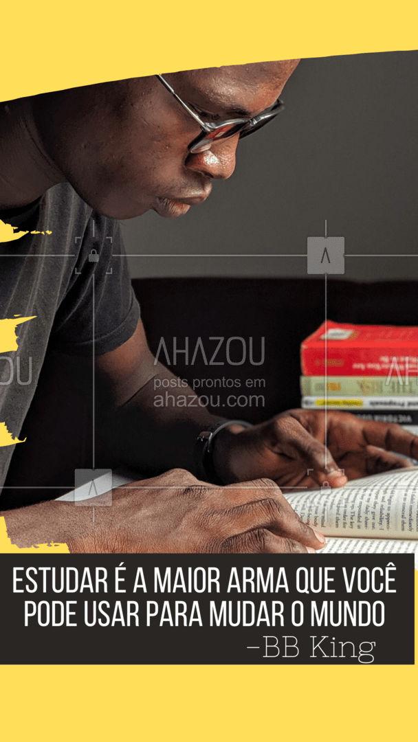 Você é a maior arma para mudar o mundo! Mude o mundo em 2021!  Feliz ano novo! ✨   #AhazouEdu  #educação #aulaparticular #vestibular #concursopúblico #cursinho #ENEM #motivacional #frase #anonovo #2021