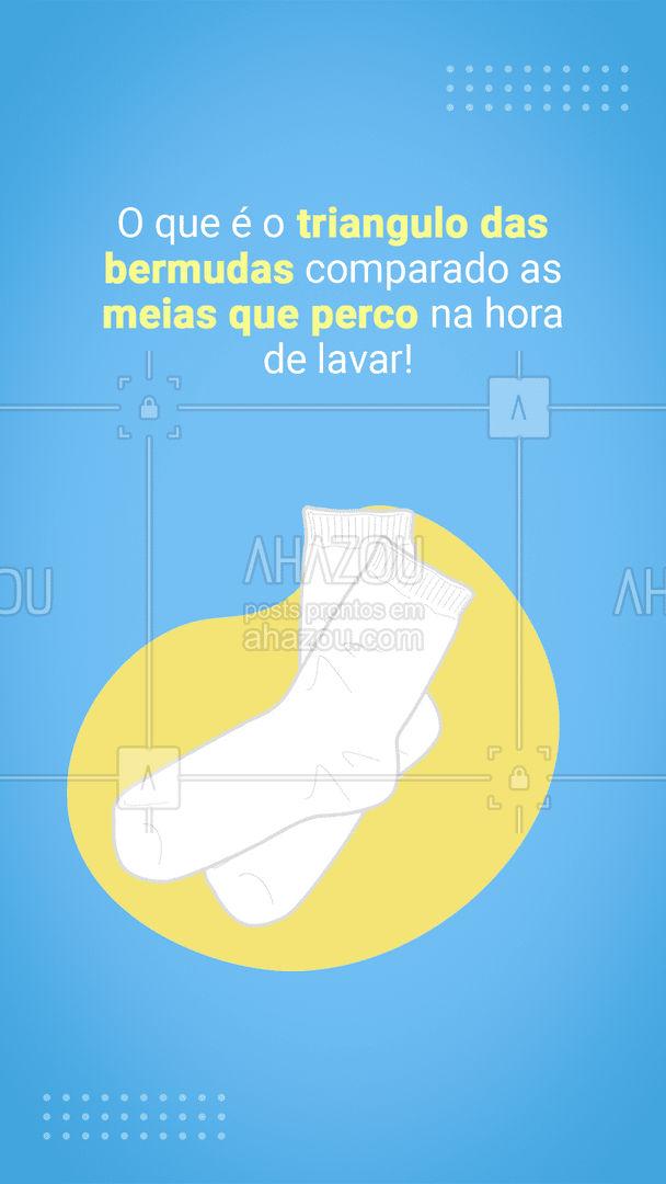 Quem nunca perdeu as meias na hora de lavar a roupa levanta a mão ??♀?♂. #lavanderia #roupasuja #roupalimpa #AhazouServiços #meias #engraçado #postdefrase