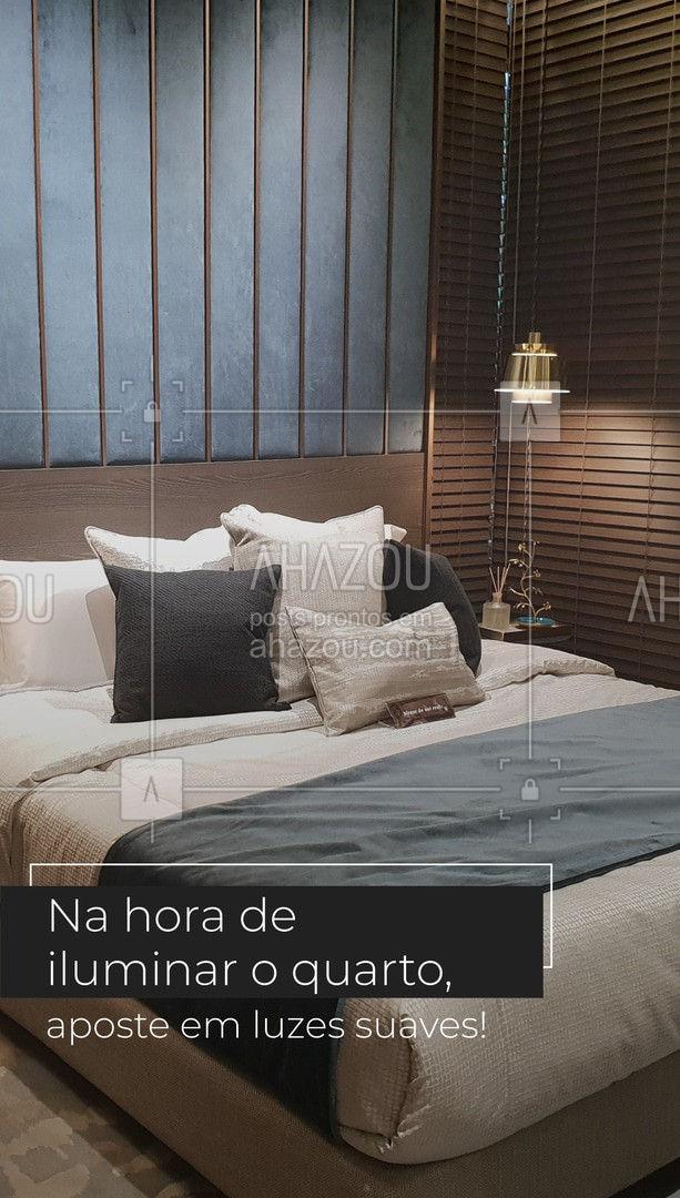 Por ser um cômodo dedicado ao descanso, o quarto pede uma iluminação mais suave, que pode ser feita com luminárias e luzes cor branco quente, sempre usadas de maneia indireta, assim criam um clima aconchegante. Duas opções para usar são spots LED e fitas de LED. ?   #homedecor #iluminação #quarto #AhazouDecora #AhazouArquitetura  #designdeinteriores #decoracao #arquitetura