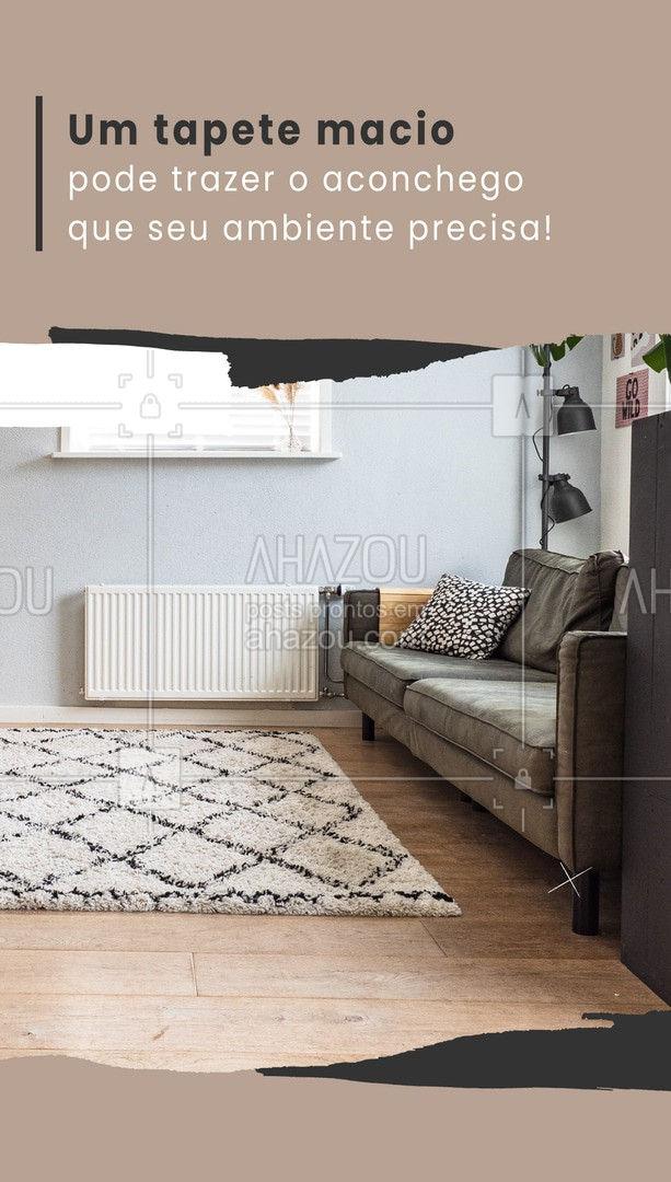 Optar por tapetes macios é uma ótima forma de trazer mais aconchego para o ambiente. Um bom truque é escolher uma cor que combine com a cortina do ambiente. Optar por um tapete de pelos longos reforça a sensação de aconchego. ?️ #AhazouServiços #residencial #reforma #casa #decoração #interiores  #serviços