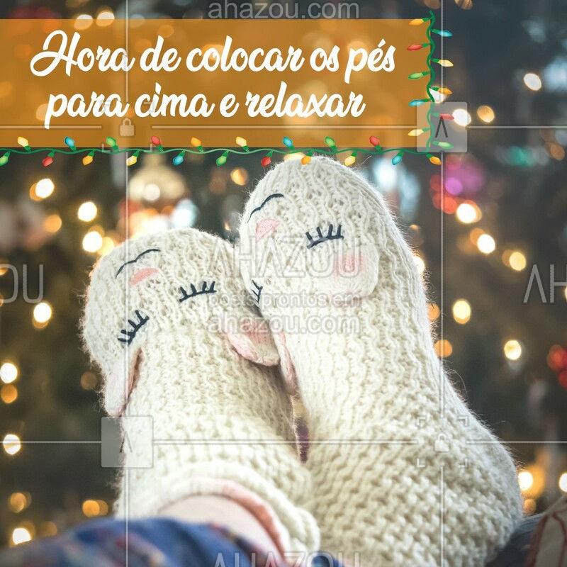 Depois de um longo ano, nada melhor que aproveitar o recesso para curtir com quem você ama. Feliz Natal e um maravilhoso ano novo! ? ? #sapato #podologa  #cuidado  #saltoalto  #fimdeano  #festas #natal  #anonovo